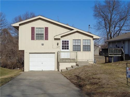 Photo of 4216 NE 46th Street, Kansas City, MO 64117 (MLS # 2306826)