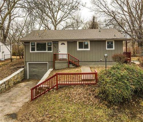 Photo of 1824 N 51st Terrace, Kansas City, KS 66102 (MLS # 2258941)