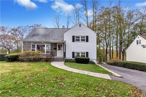 Photo of 21 Candlewood Drive, Yonkers, NY 10710 (MLS # 5121066)