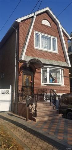 Photo of 1115 Rhinelander Avenue, Bronx, NY 10461 (MLS # 5121101)