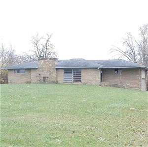 Photo of 825 West 53rd, Anderson, IN 46013 (MLS # 21607417)