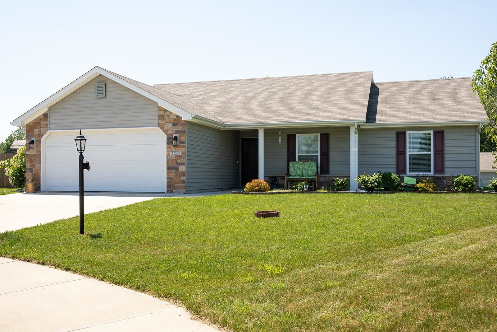 Photo of 3214 Fawn Court, Warsaw, IN 46582 (MLS # 202020510)