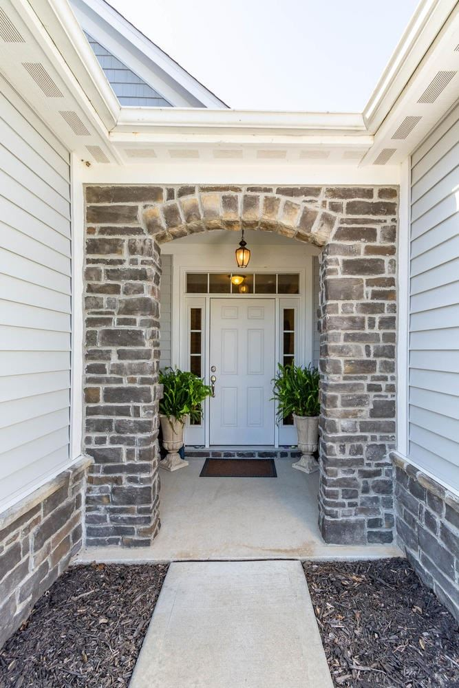 Photo of 181 S Stonechase Crossing, Bloomington, IN 47403 (MLS # 202026813)