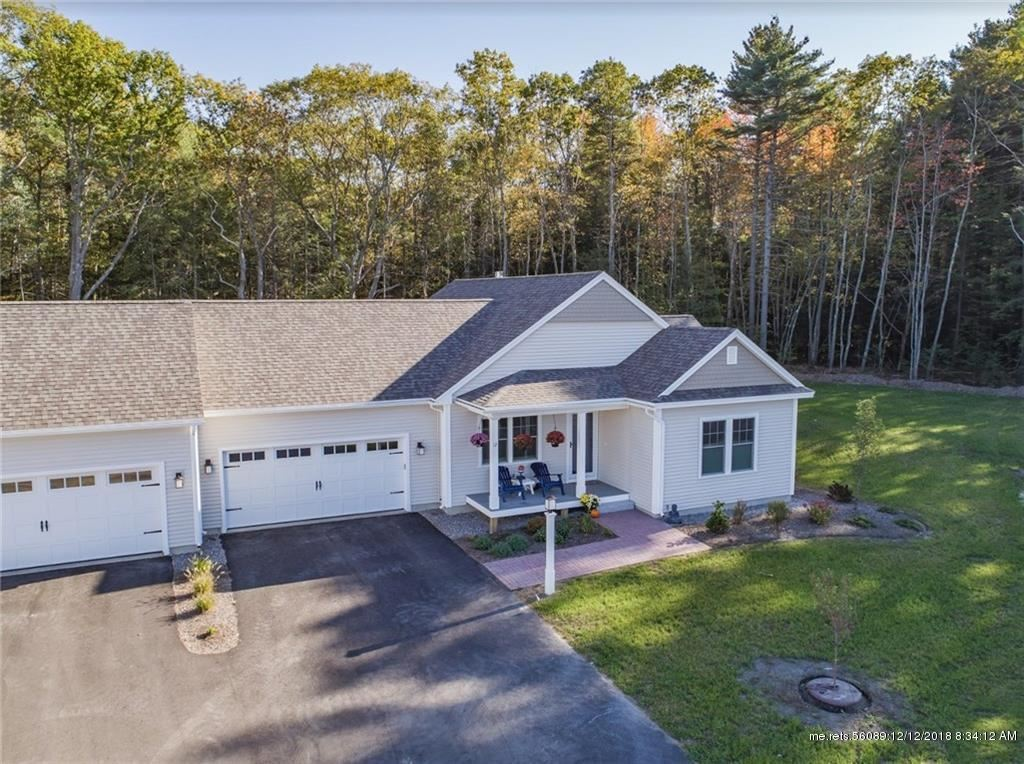 Photo for 2 Maxwell Woods Drive #26, Cape Elizabeth, ME 04107 (MLS # 1371128)
