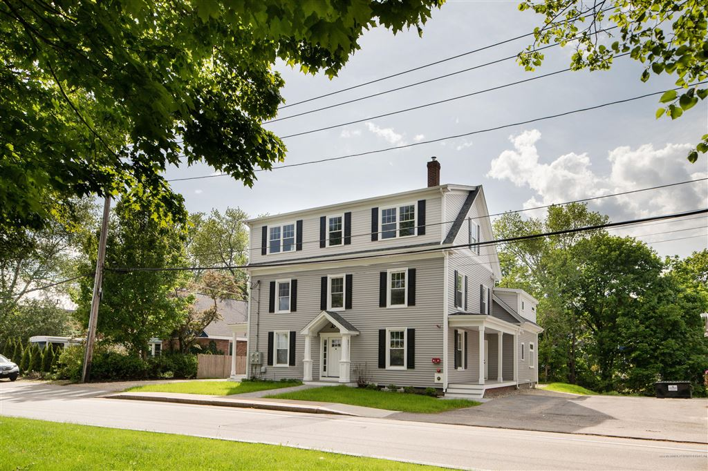 Photo for 14 Newmarch Street #14, Kittery, ME 03904 (MLS # 1409964)