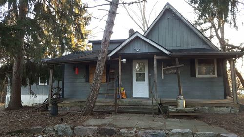 Photo of 6240 S 43rd St, Greenfield, WI 53220 (MLS # 1673044)
