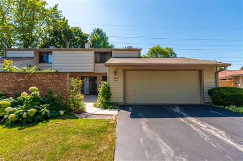 Photo of 11009 N Redwood Tree Ct, Mequon, WI 53092 (MLS # 1688061)