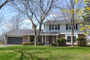 Photo of 4644 W Laurmark Ct, Mequon, WI 53092 (MLS # 1636091)