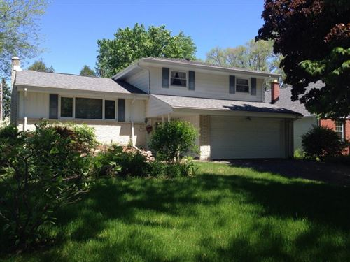 Photo of N87W15546 Kings Hwy, Menomonee Falls, WI 53051 (MLS # 1667109)