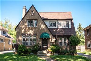 Photo of 8116 Richmond Ct, Wauwatosa, WI 53213 (MLS # 1662129)