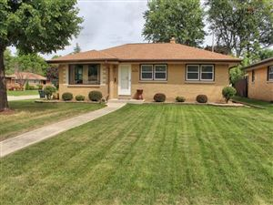 Photo of 4404 S 65th ST, Greenfield, WI 53220 (MLS # 1655195)