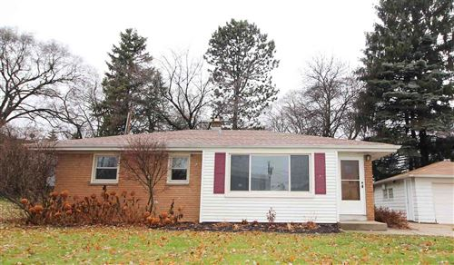 Photo of 821 N 109th St, Wauwatosa, WI 53226 (MLS # 1669360)