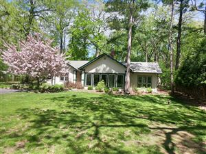 Photo of 427 Anderson Dr, Delafield, WI 53018 (MLS # 1638398)