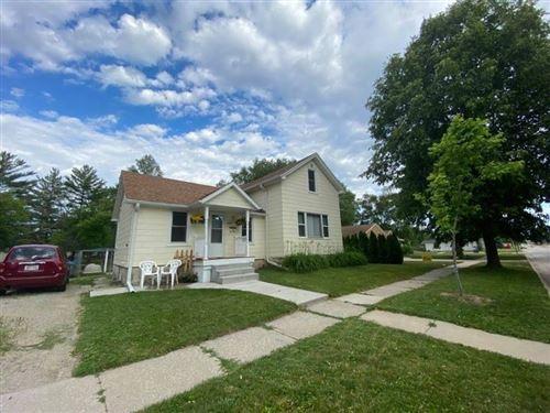 Photo of 1417 Neenah St, Watertown, WI 53094 (MLS # 1746428)