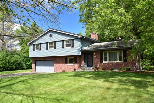 Photo of 10062 N Sunnycrest Cr, Mequon, WI 53092 (MLS # 1701675)