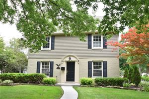 Photo of 9606 Ridge Blvd, Wauwatosa, WI 53226 (MLS # 1663770)