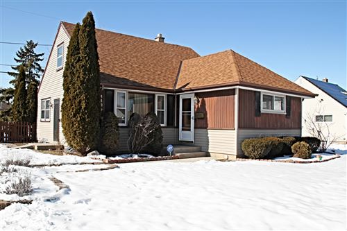 Photo of 4429 S Tennessee Ave, Milwaukee, WI 53221 (MLS # 1677833)