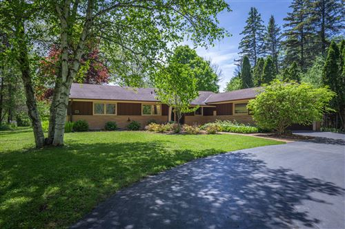 Photo of 611 W Mequon Rd, Mequon, WI 53092 (MLS # 1691903)