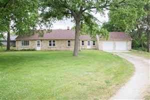 Photo of 4450 S 68th St, Greenfield, WI 53220 (MLS # 1648970)