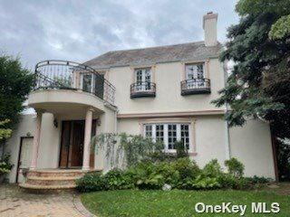 Photo of 177-14 Croydon Road, Jamaica Estates, NY 11432 (MLS # 3333041)