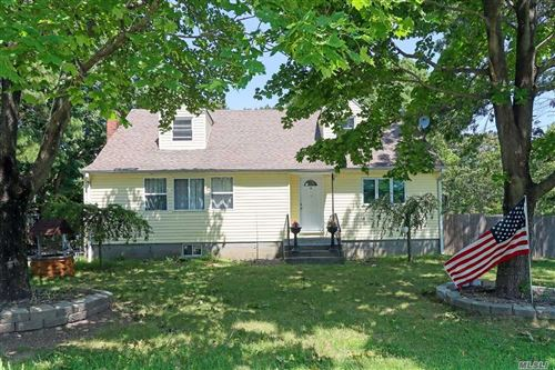 Photo of 173 E Woodside Avenue Ave, Patchogue, NY 11772 (MLS # 3241058)