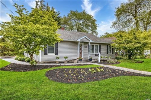Photo of 450 Pine Drive, Brightwaters, NY 11718 (MLS # 3218232)