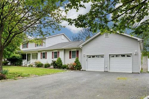 Photo of 6 Dr Marquise Drive, Thiells, NY 10984 (MLS # H6124424)