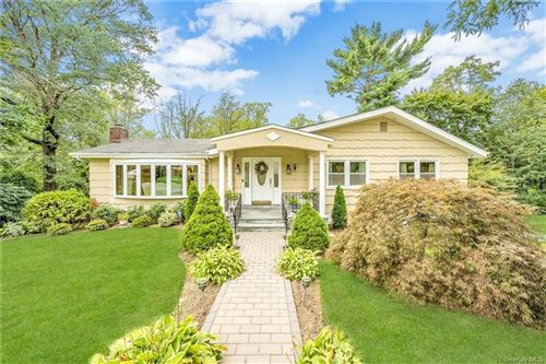 Photo of 34 Vaneck Drive, New Rochelle, NY 10804 (MLS # H6070484)
