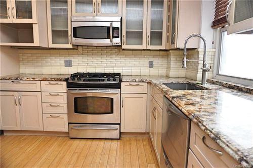 Photo of 3850 Sedgwick Avenue #11J, BRONX, NY 10463 (MLS # H6132734)