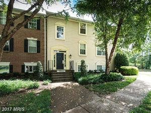 Photo of 3903 GOLF TEE CT #302, FAIRFAX, VA 22033 (MLS # FX10101509)