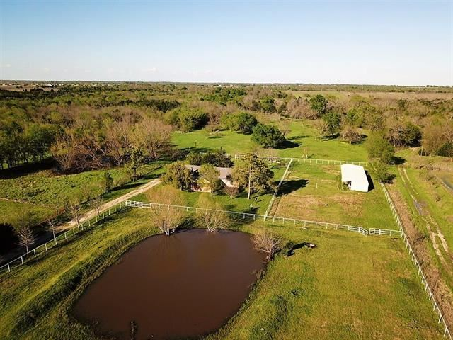 Photo for 2064 Griffith Road, Terrell, TX 75160 (MLS # 14311090)