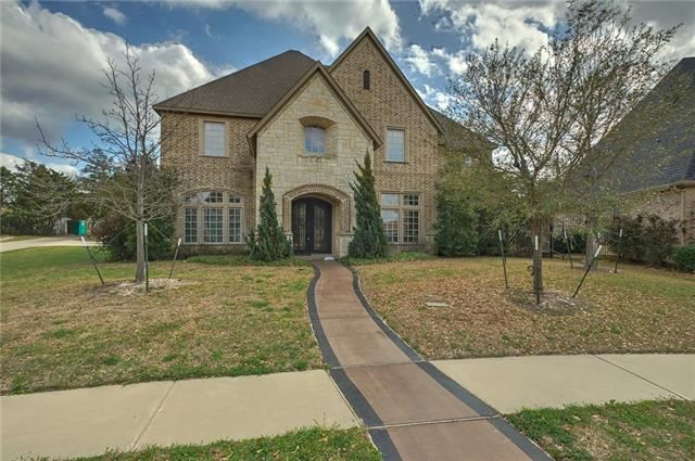Photo for 806 BELCLAIRE Circle, Cedar Hill, TX 75104 (MLS # 14002107)