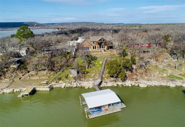 Photo for 1582 N Lakeview Drive, Palo Pinto, TX 76484 (MLS # 14267201)