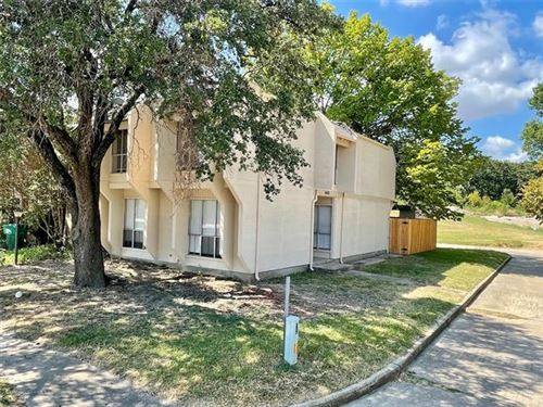 Photo of 1400 SOMBRE VISTA Drive, Denton, TX 76205 (MLS # 14674349)