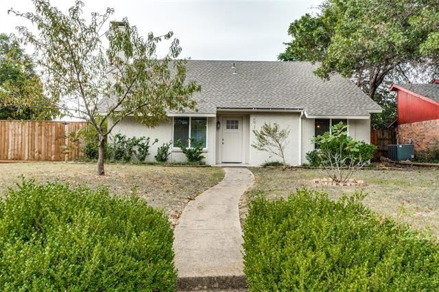 Photo for 2918 Ivanridge Lane, Garland, TX 75044 (MLS # 14690397)