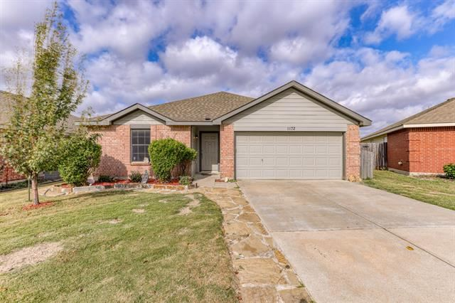 Photo for 1172 Mustang Ridge Drive, Fort Worth, TX 76052 (MLS # 14690407)