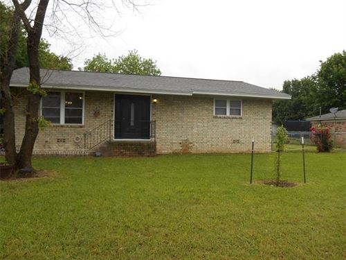 Tiny photo for 422 Hillside Drive, Gainesville, TX 76240 (MLS # 14573434)