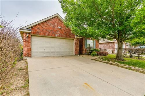 Photo of 741 Silverbrook Drive, Saginaw, TX 76179 (MLS # 14575464)