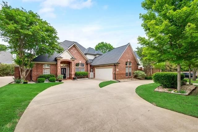 Photo for 2804 Timber Hill Drive, Grapevine, TX 76051 (MLS # 14575483)