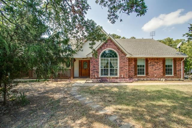 Photo for 148 Clara Lee Lane, Springtown, TX 76082 (MLS # 14196563)