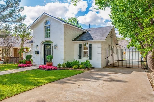 Photo for 5704 Pershing Avenue, Fort Worth, TX 76107 (MLS # 14570565)