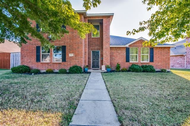 Photo for 2900 Meadow Bluff Drive, Wylie, TX 75098 (MLS # 14689594)