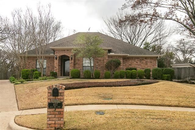 Photo for 607 Bent Tree Court, Euless, TX 76039 (MLS # 14265651)