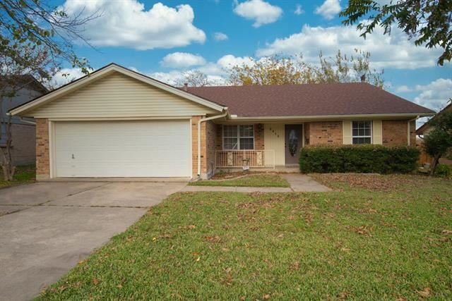 Photo for 3013 Portales Drive, Fort Worth, TX 76116 (MLS # 14475696)