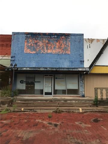 Photo for 115 E McLain Street, Seymour, TX 76380 (MLS # 14091807)