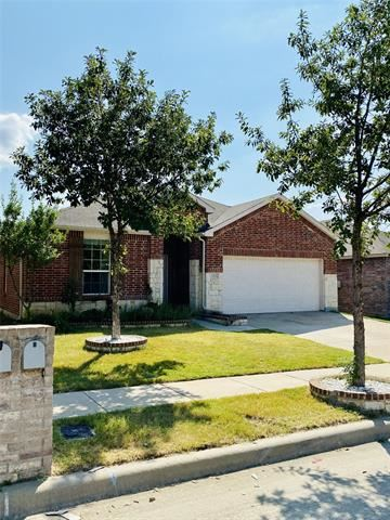 Photo of 2328 Gelbray Place, Fort Worth, TX 76131 (MLS # 14682931)