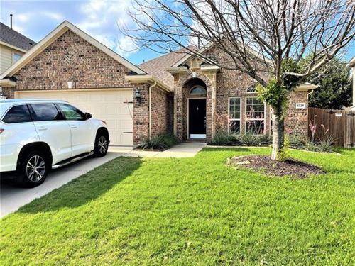 Photo of 1329 Ocotillo Lane, Fort Worth, TX 76177 (MLS # 14599983)