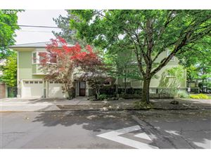 Photo of 2905 SE MADISON ST, Portland, OR 97214 (MLS # 19641170)