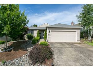 Photo of 16311 SW 129TH TER, Tigard, OR 97224 (MLS # 19266190)