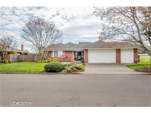 Photo of 31680 SW COUNTRY VIEW LN, Wilsonville, OR 97070 (MLS # 19660238)